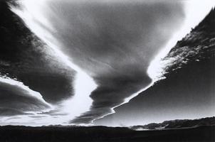 Фотографии Кэтрин Эймс. Воронкообразное облако. Уэллингтон, Невада, США. 1991