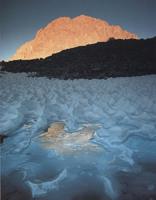 Фотографии Галена Роуэлла. Снега позднего лета под горой Уильямсон. Южная Сьерра-Невада, Калифорния, США