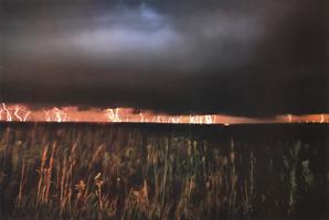Фотографии Джима Бранденбурга. Молнии в прерии
