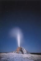Фотографии Майкла Фрая. Гейзер Белый Купол при лунном свете