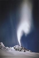 Фотографии Патрика Эндреса. Северное сияние над ледником Кенвелл. Аляска, США