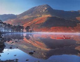 Фотографии Тома Мэкки. На лодке. Озеро Баттермир, Озерный край, Англия