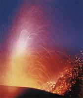 Фотографии Тома Тилла. Извержение вулкана Стромболи. Эолийские острова, Италия